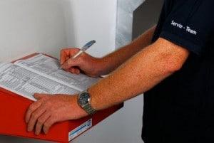 Nach Abschluss der Kontroll- und Instandhaltungsarbeiten ist dafür zu sorgen, dass sich die komplette Anlage wieder in ordnungsgemäßem Betriebszustand  befindet. Zudem sind alle Arbeiten vom Betreiber in einem auf dem Betriebsgelände zu verwahrenden Betriebsbuch (z.B. VdS 2212) zu dokumentieren. Das Betriebsbuch kann über die Wartungsfirma bezogen werden.