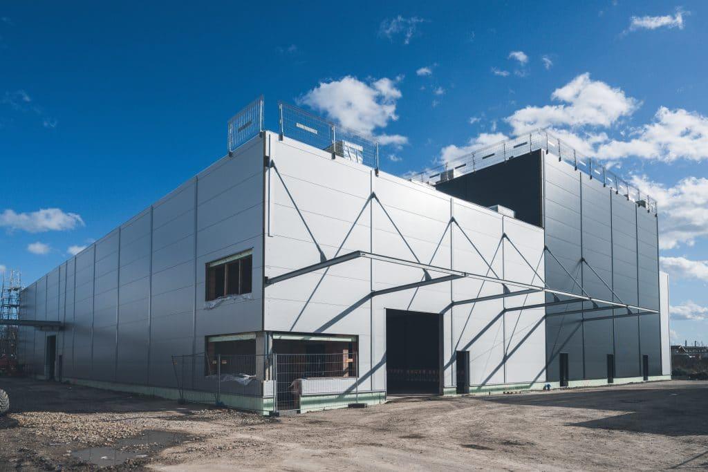 Richtfest Logistikzentrum Calanbau am 12.03.20: Außenfassade des Logistikzentrums